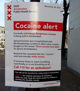 Sign in Amsterdam warning tourists of heroin sold as cocaine | Photo via imgur/reddit.