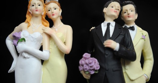 Supreme Court rules same-sex couples have right to marry