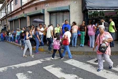 According to a recent study from the University of Simon Bolivar, only 19 percent of the population had enough to meet their basic needs. In 2015, only 52 percent of the population could afford to buy vegetables, 46 percent could buy sugar, and 32 percent could buy cheese and coffee. Nearly 20 percent of Venezuelans cannot even afford to buy rice.
