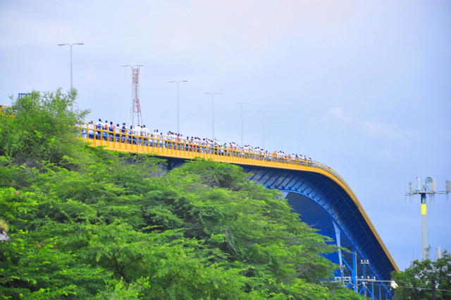 ride-walk-for-the-roses-persbureau-curacao